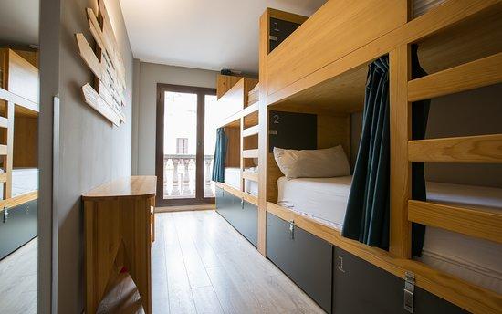 yeah barcelona hostel - COMO CONHECER GENTE VIAJANDO SOZINHA?